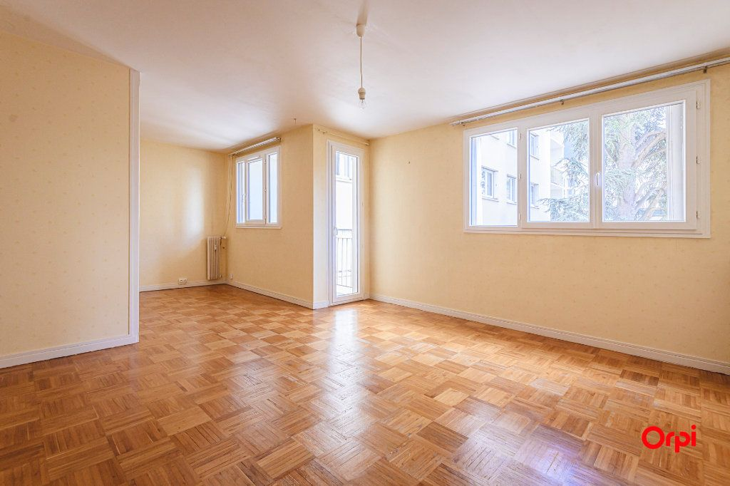 Appartement à vendre 5 80m2 à Reims vignette-3