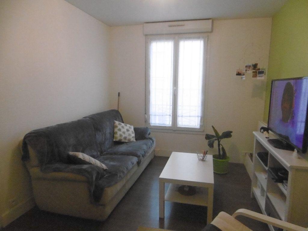 Appartement à louer 2 31.93m2 à Reims vignette-1