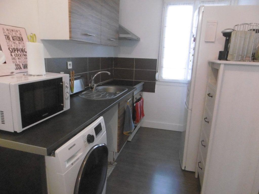 Appartement à louer 2 31.93m2 à Reims vignette-2