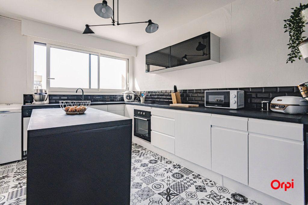 Appartement à vendre 2 54.04m2 à Reims vignette-4