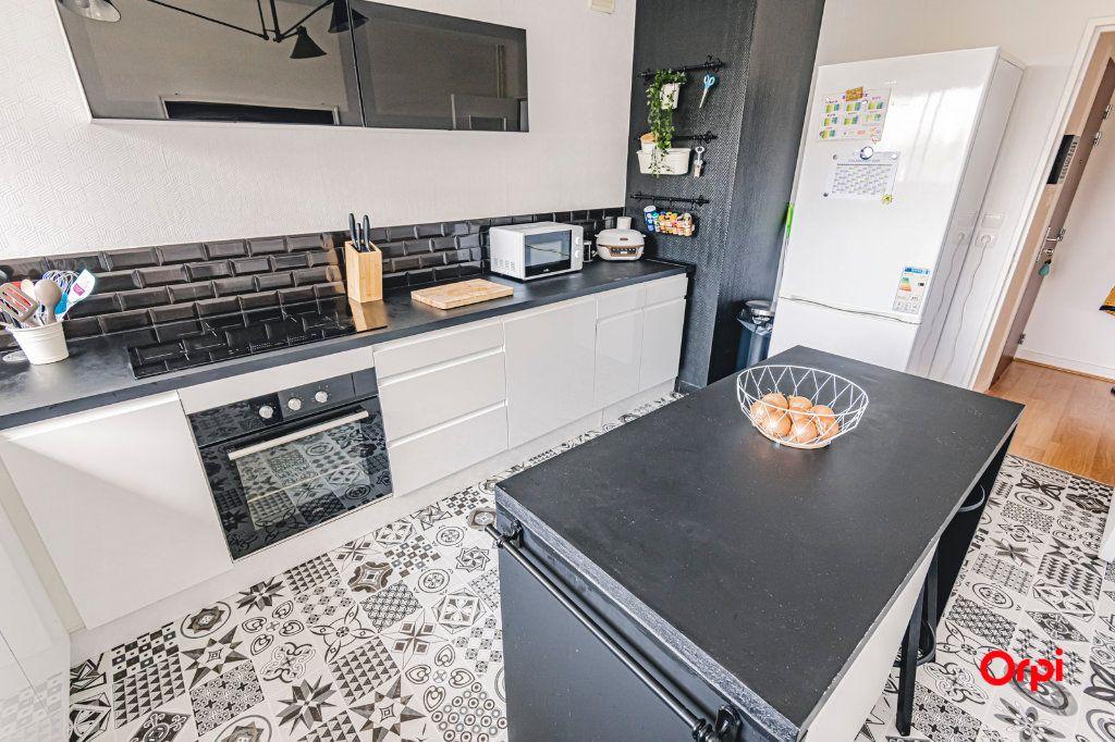 Appartement à vendre 2 54.04m2 à Reims vignette-5