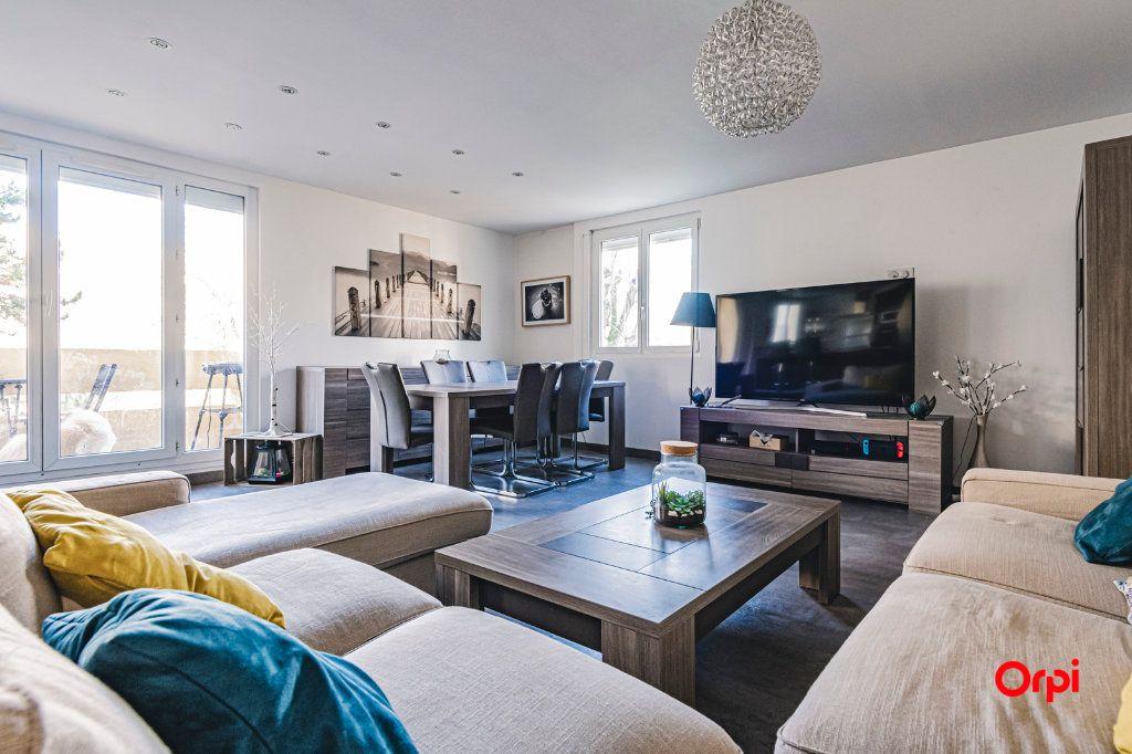 Appartement à vendre 5 109.64m2 à Reims vignette-1
