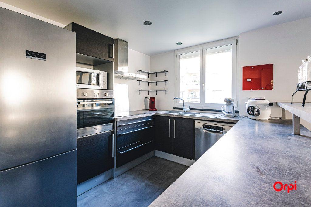 Appartement à vendre 5 109.64m2 à Reims vignette-3