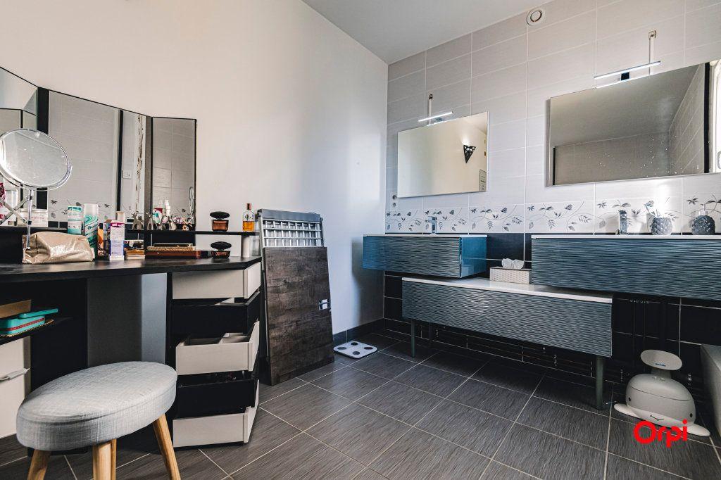 Appartement à vendre 5 109.64m2 à Reims vignette-8