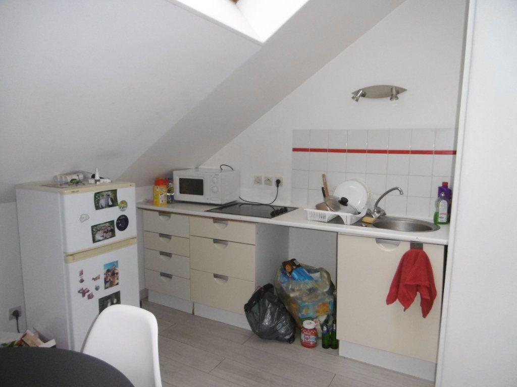 Appartement à louer 2 31.87m2 à Reims vignette-2
