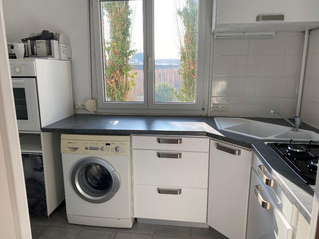 Appartement à louer 2 44.65m2 à Reims vignette-3