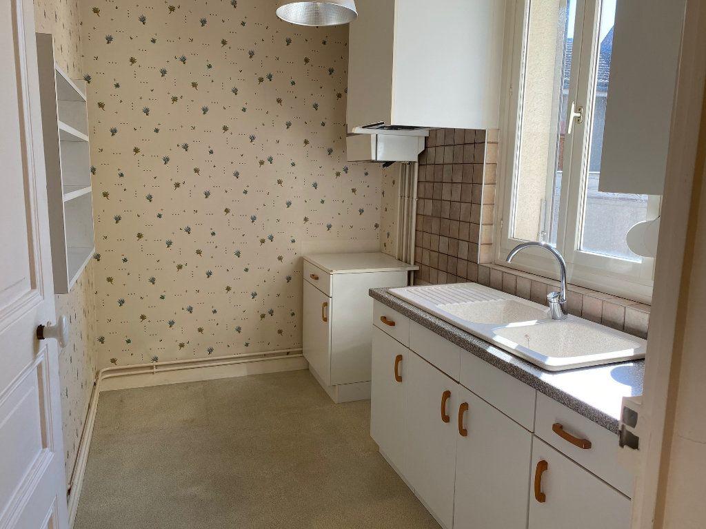 Appartement à louer 2 43.3m2 à Reims vignette-2