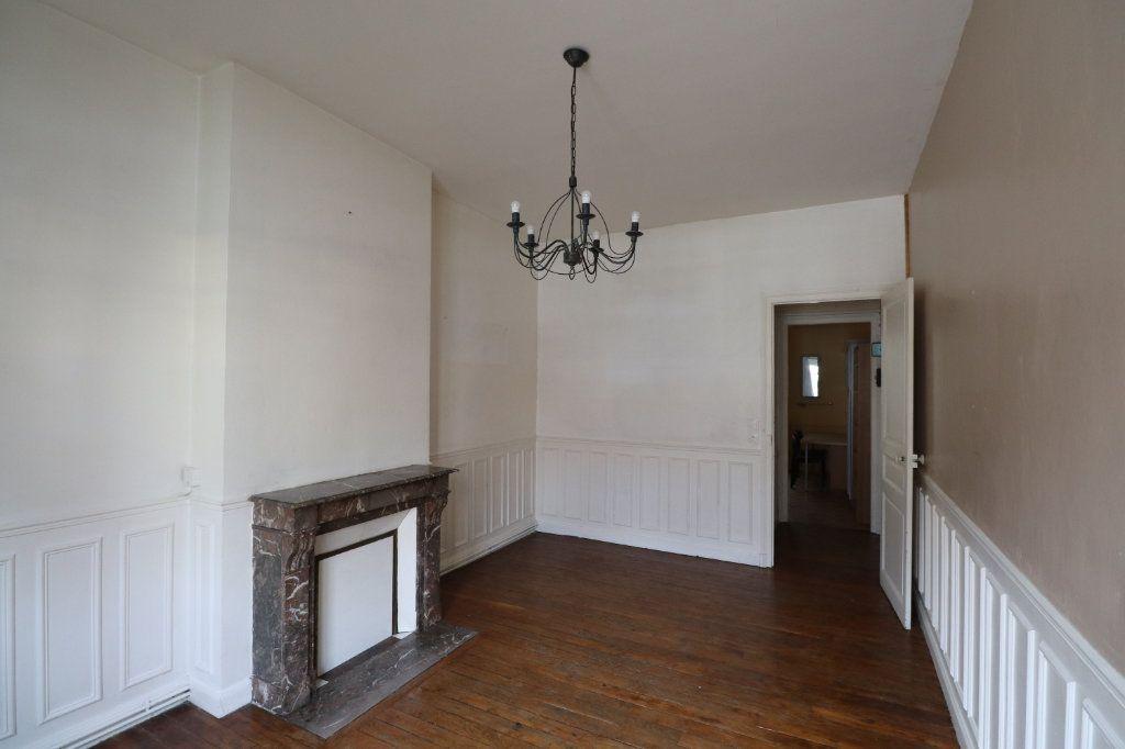 Appartement à vendre 2 61.68m2 à Reims vignette-3