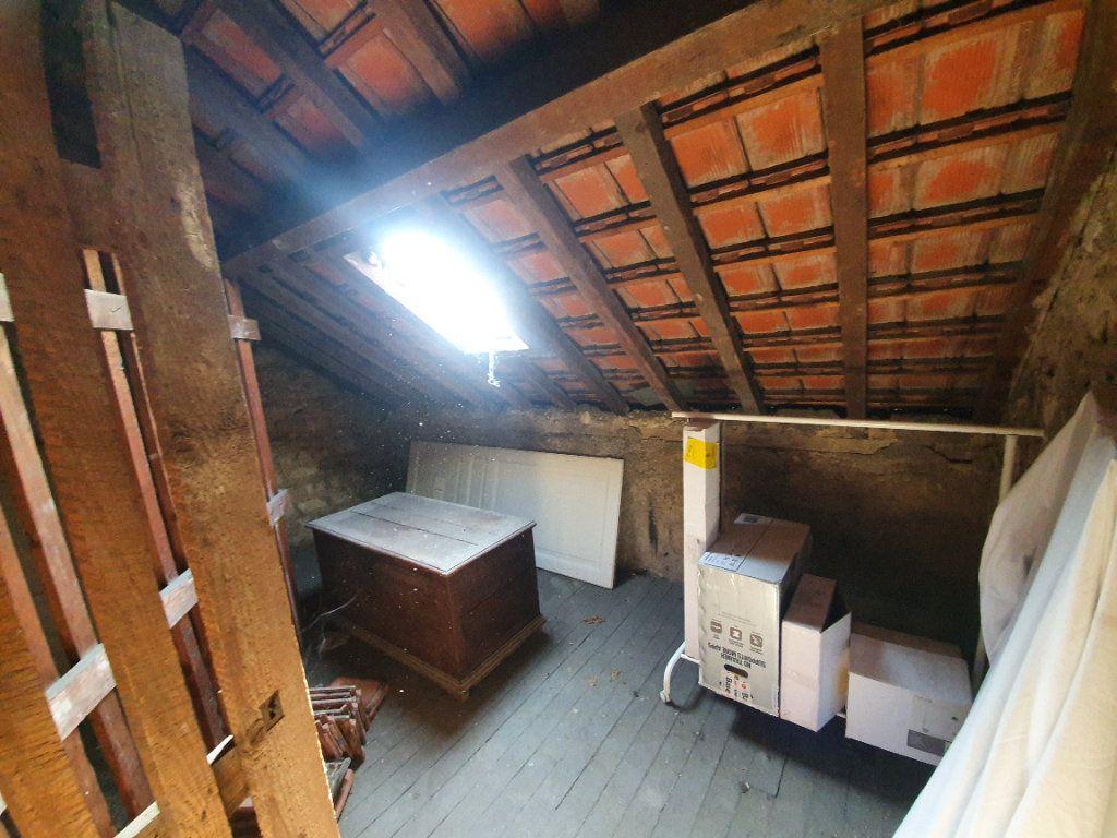 Appartement à vendre 2 61.68m2 à Reims vignette-8