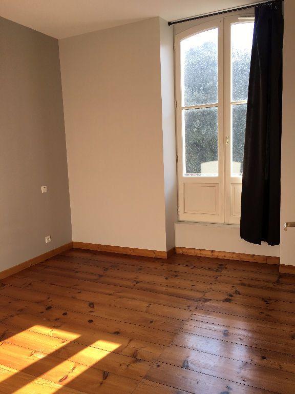 Appartement à louer 3 70m2 à Dax vignette-8