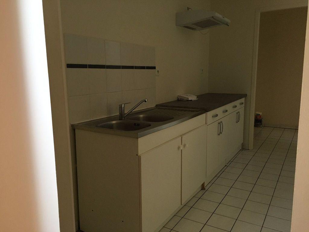 Appartement à louer 3 70m2 à Dax vignette-14