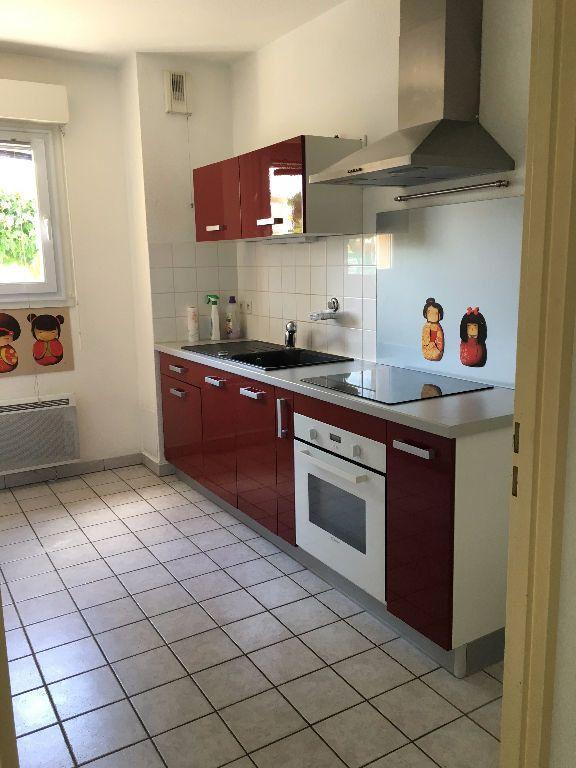 Appartement à louer 3 62.61m2 à Dax vignette-2