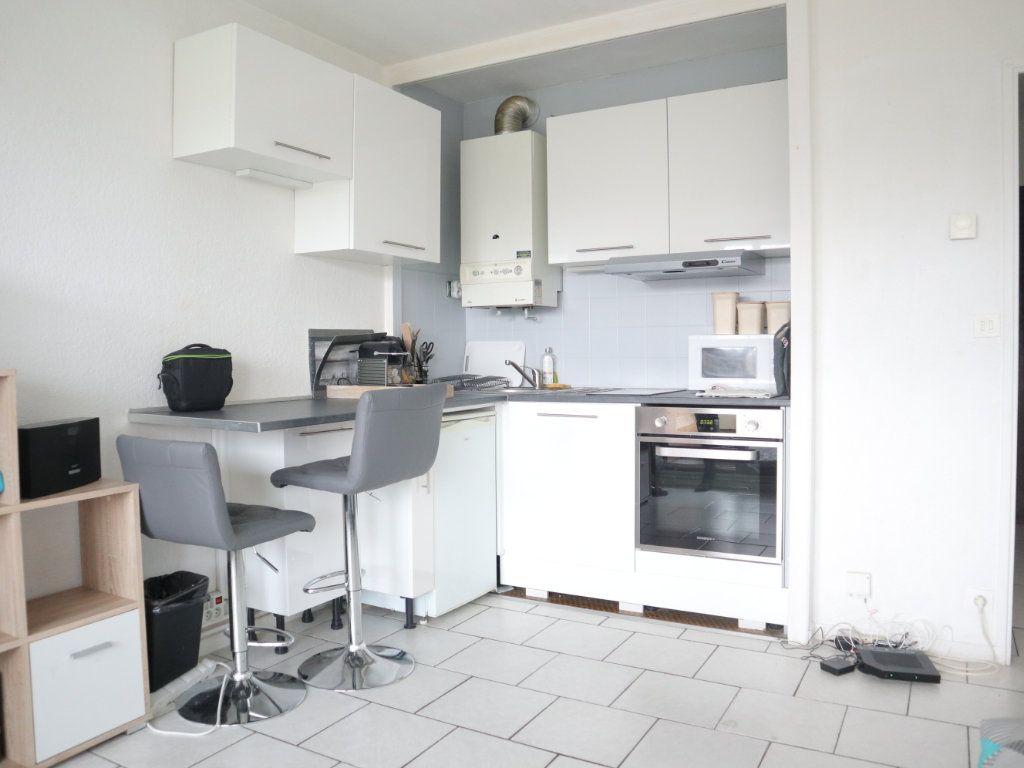 Appartement à louer 1 27m2 à Dax vignette-2