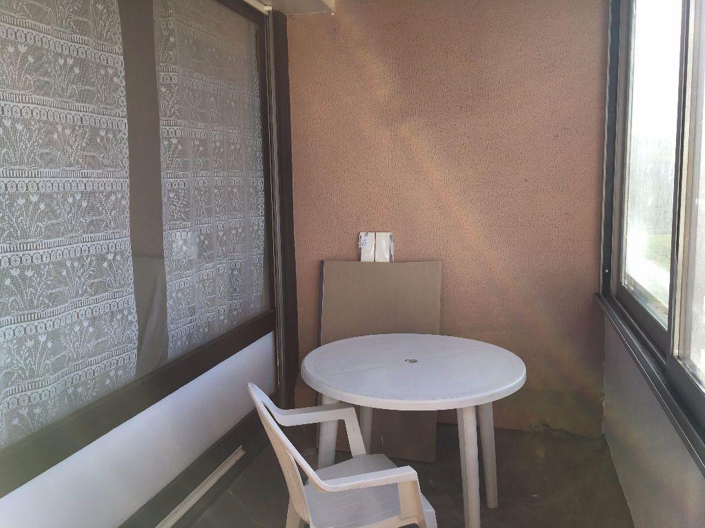Appartement à louer 1 27m2 à Dax vignette-5