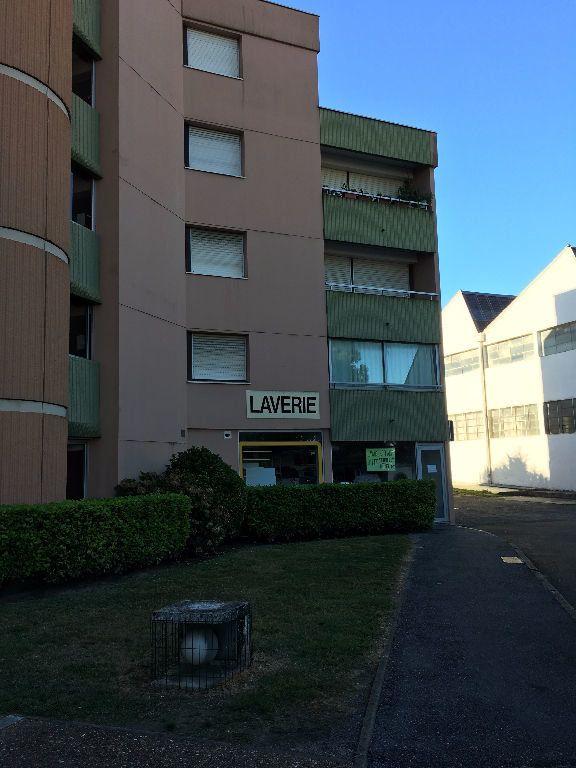 Appartement à louer 1 27m2 à Dax vignette-7