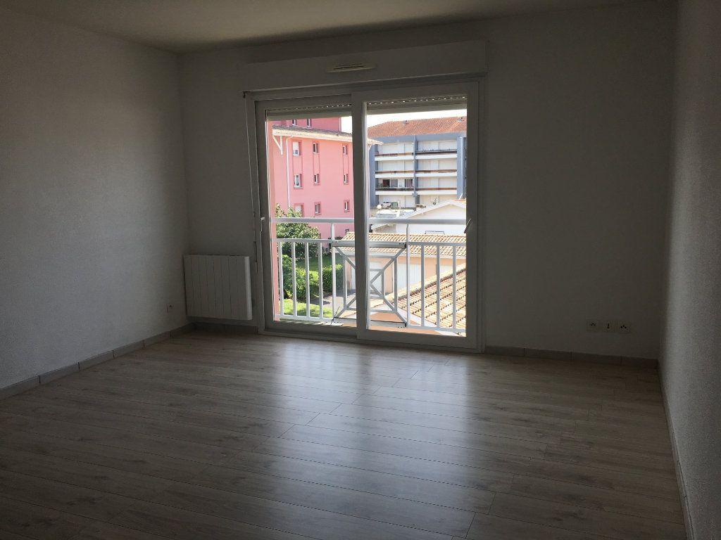 Appartement à louer 2 49m2 à Dax vignette-4