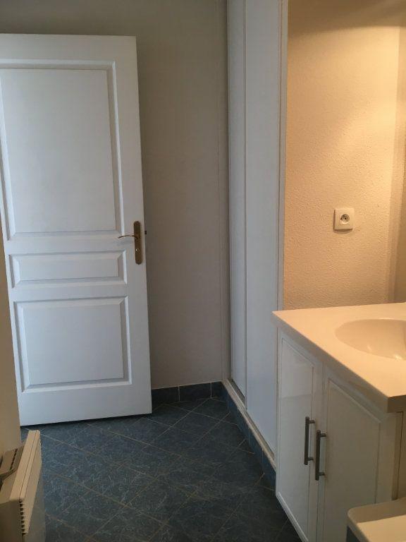 Appartement à louer 2 49m2 à Dax vignette-5
