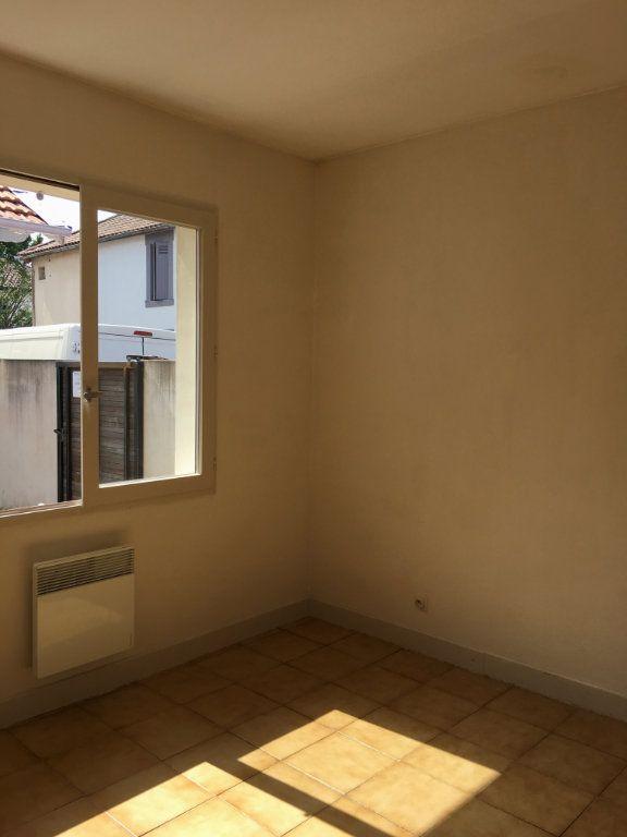 Appartement à louer 1 23.4m2 à Dax vignette-2