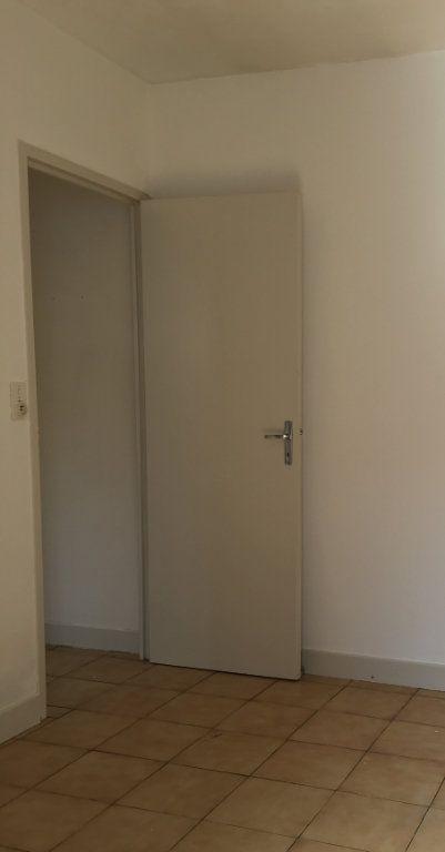 Appartement à louer 1 23.4m2 à Dax vignette-7