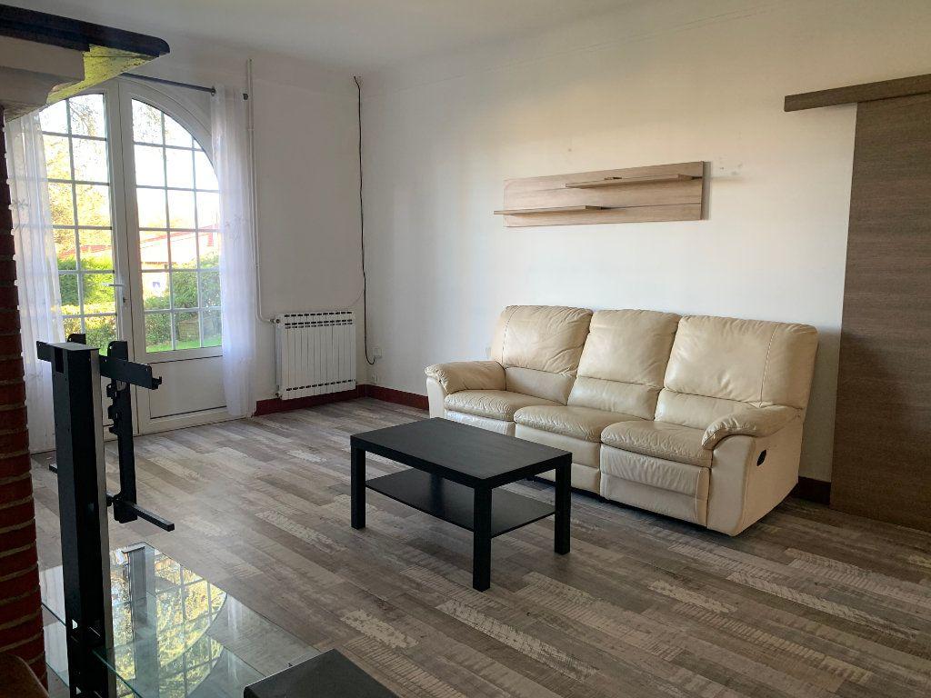 Maison à louer 4 133m2 à Seyresse vignette-3
