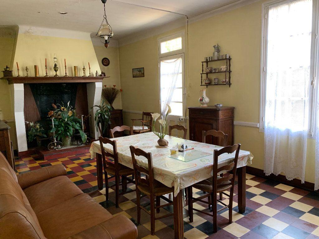 Maison à vendre 5 122.25m2 à Saugnac-et-Cambran vignette-4