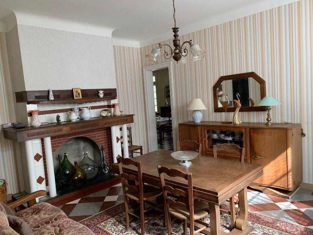 Maison à vendre 5 122.25m2 à Saugnac-et-Cambran vignette-5