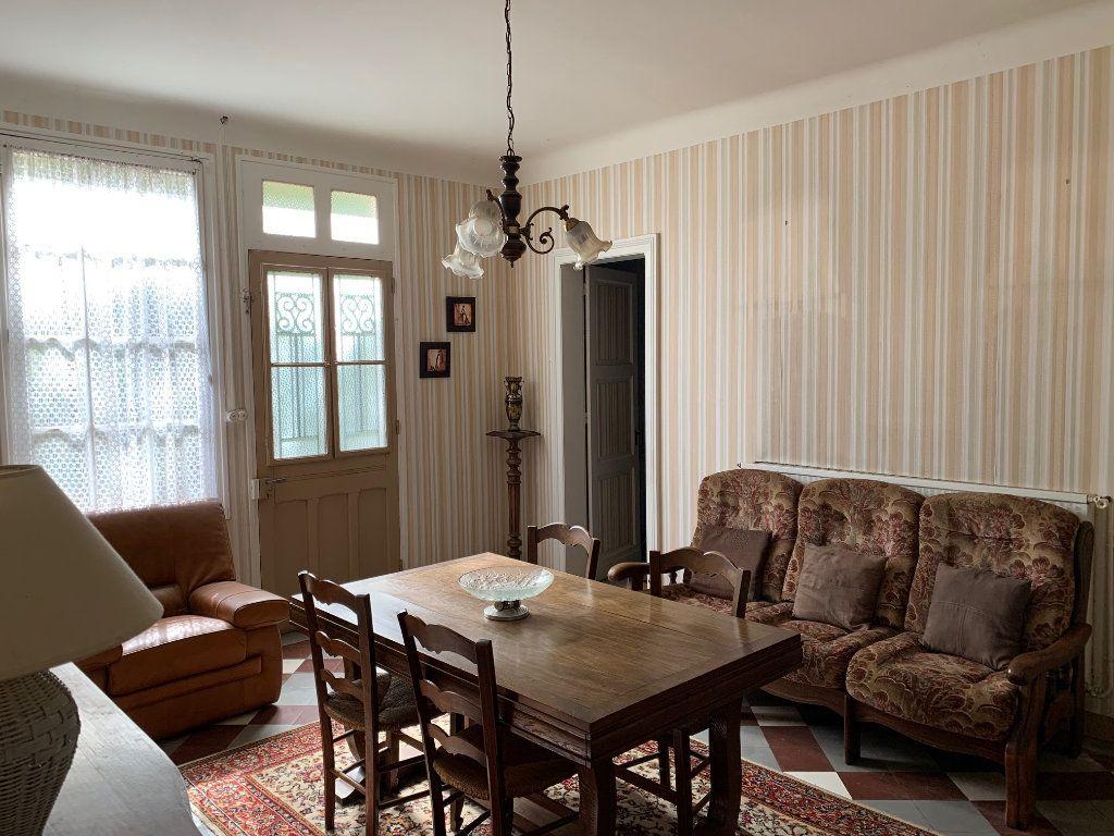 Maison à vendre 5 122.25m2 à Saugnac-et-Cambran vignette-6