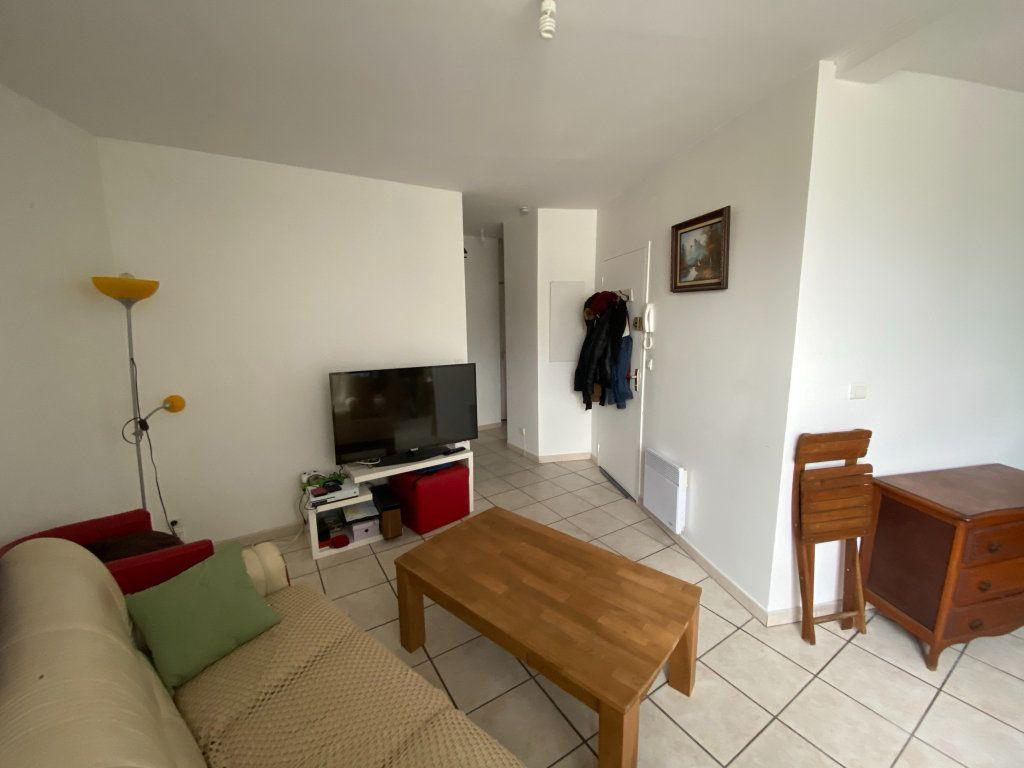 Appartement à vendre 3 60m2 à Dax vignette-1