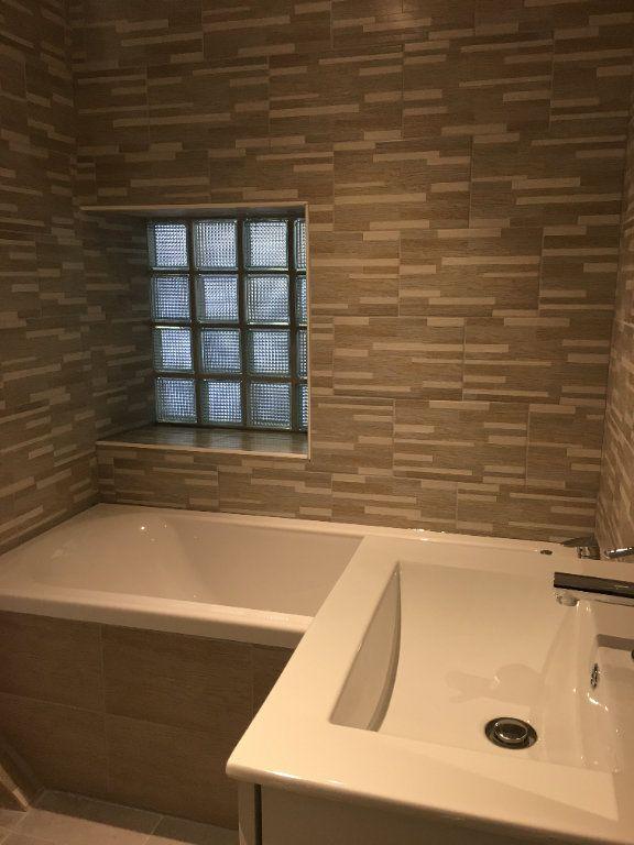 Appartement à louer 4 106.3m2 à Pontonx-sur-l'Adour vignette-11