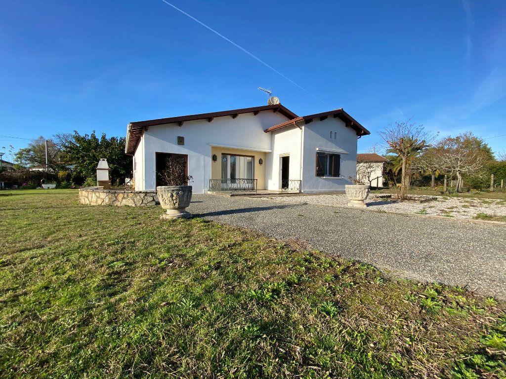 Maison à vendre 4 118m2 à Saint-Vincent-de-Tyrosse vignette-1