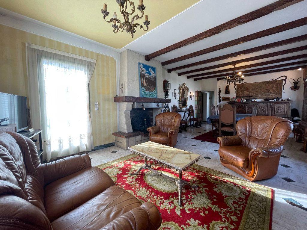 Maison à vendre 4 118m2 à Saint-Vincent-de-Tyrosse vignette-3