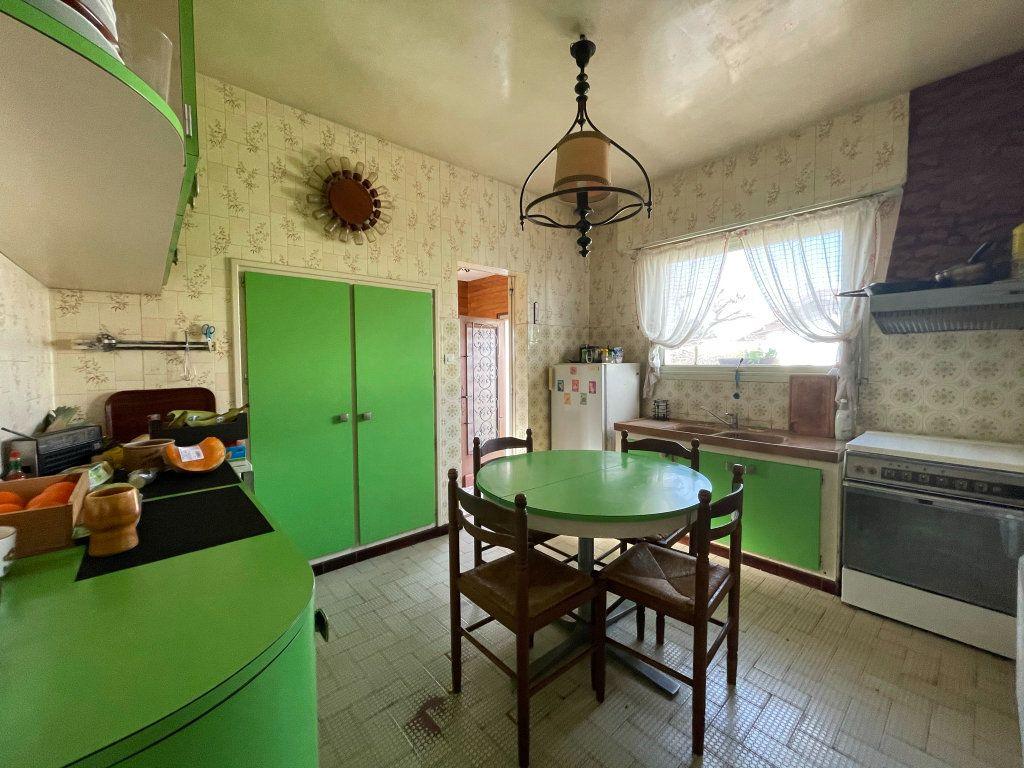Maison à vendre 4 118m2 à Saint-Vincent-de-Tyrosse vignette-4