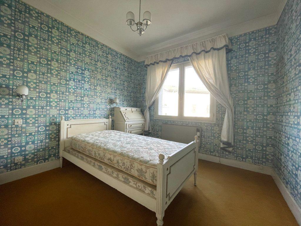 Maison à vendre 4 118m2 à Saint-Vincent-de-Tyrosse vignette-5