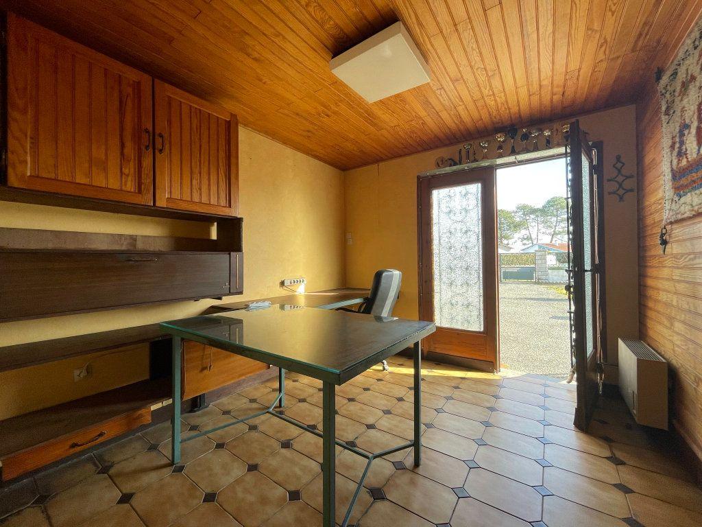 Maison à vendre 4 118m2 à Saint-Vincent-de-Tyrosse vignette-7