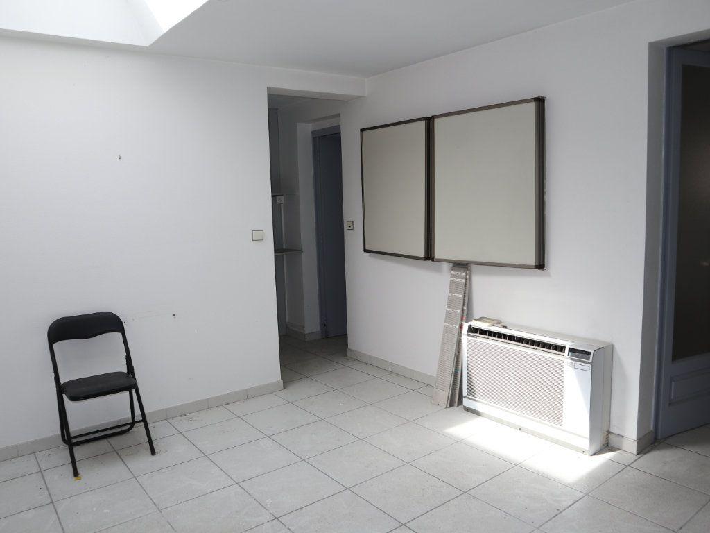 Appartement à vendre 7 127.39m2 à Dax vignette-4