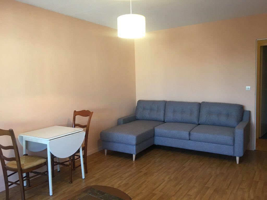 Appartement à louer 1 39.55m2 à Dax vignette-2