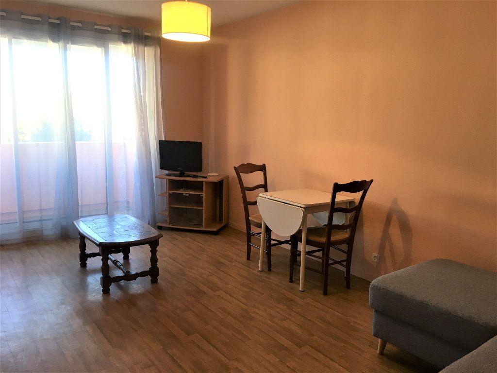 Appartement à louer 1 39.55m2 à Dax vignette-4