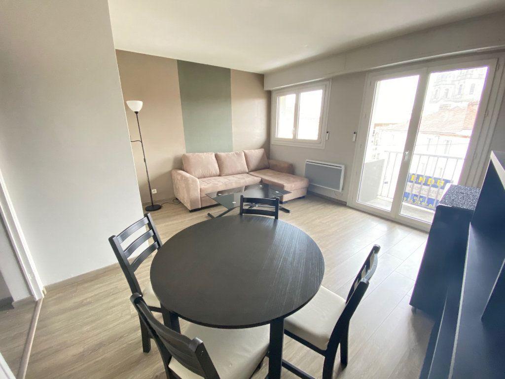 Appartement à vendre 2 44m2 à Dax vignette-1