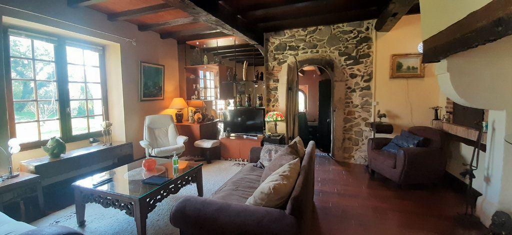 Maison à vendre 9 237.51m2 à Saugnac-et-Cambran vignette-1