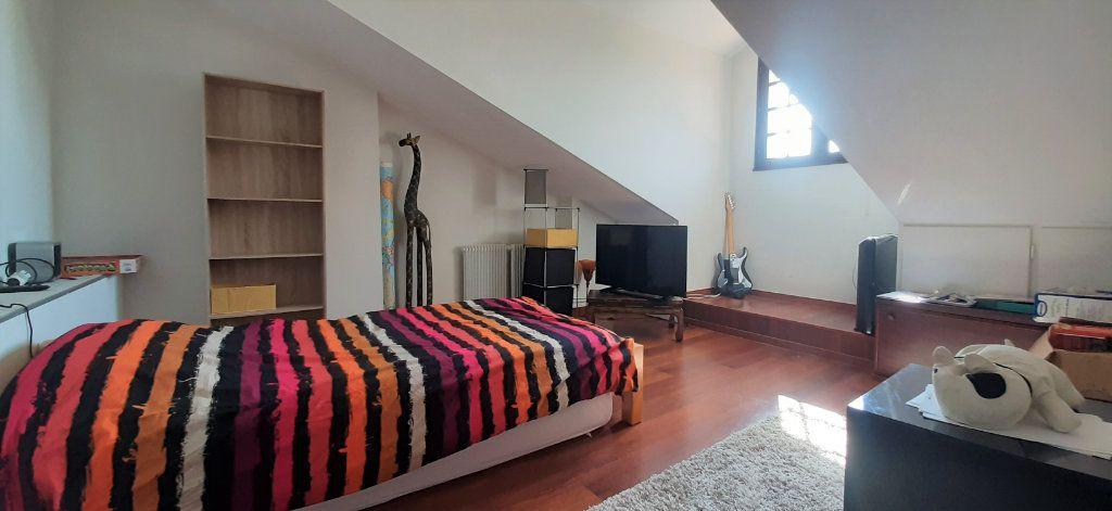 Maison à vendre 9 237.51m2 à Saugnac-et-Cambran vignette-6