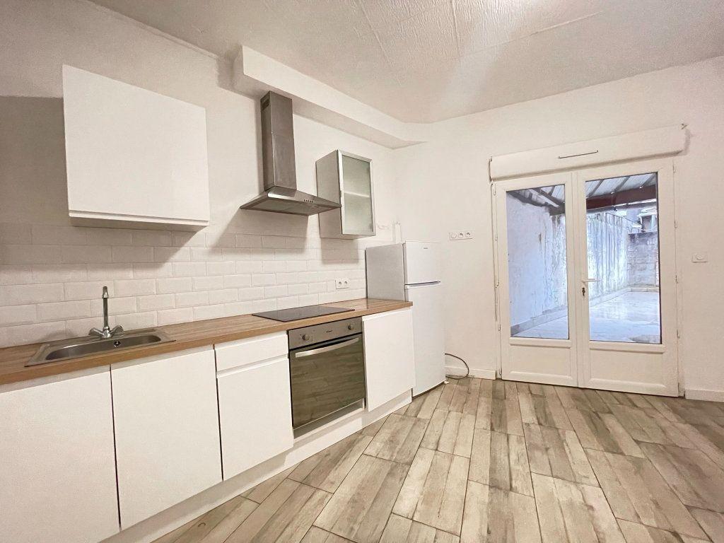 Appartement à vendre 2 41.9m2 à Dax vignette-1
