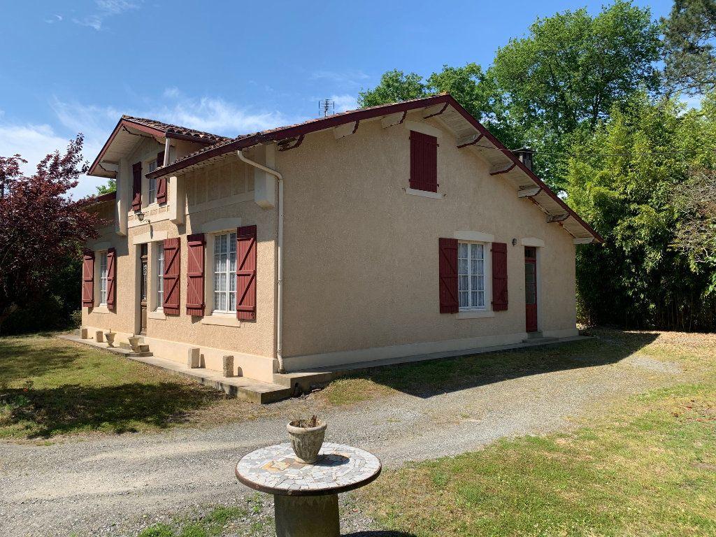 Maison à vendre 5 122m2 à Saugnac-et-Cambran vignette-1