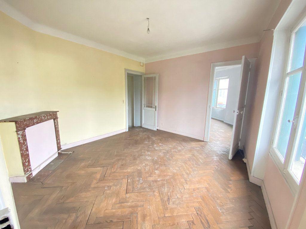 Appartement à vendre 5 233m2 à Valence vignette-1