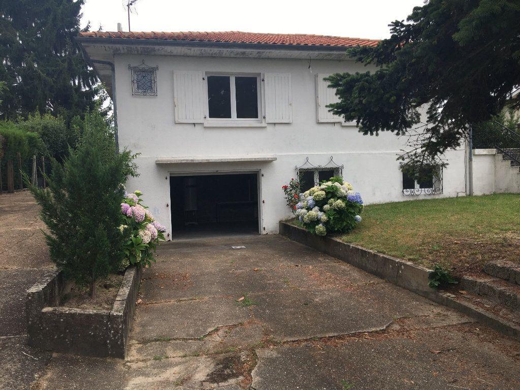 Maison à louer 3 62m2 à Seyresse vignette-1