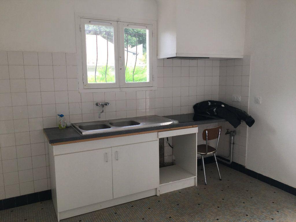 Maison à louer 3 62m2 à Seyresse vignette-2