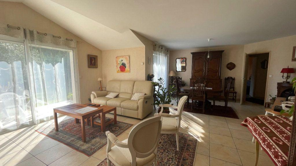 Maison à vendre 4 110.95m2 à Dax vignette-3