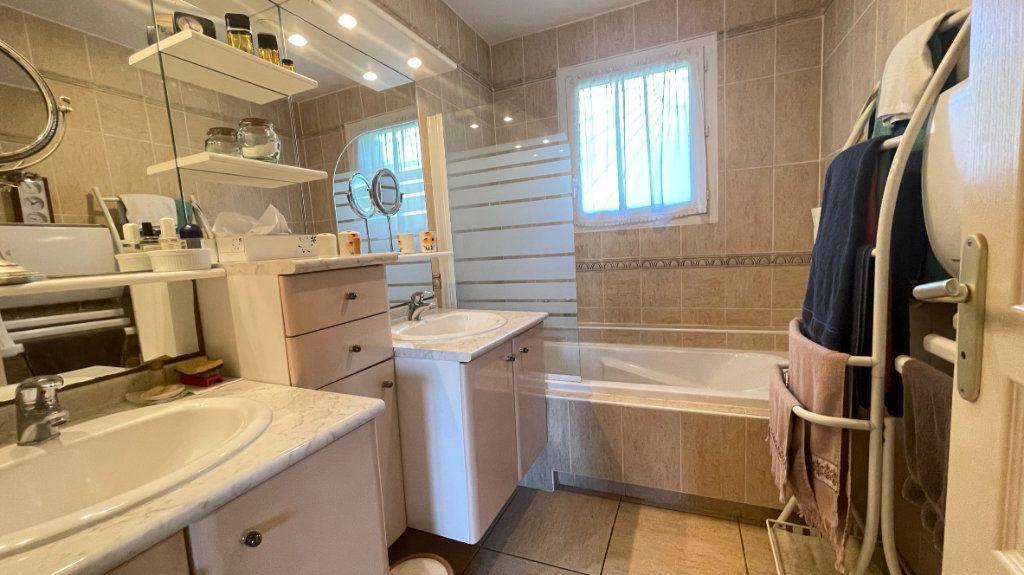 Maison à vendre 4 110.95m2 à Dax vignette-6