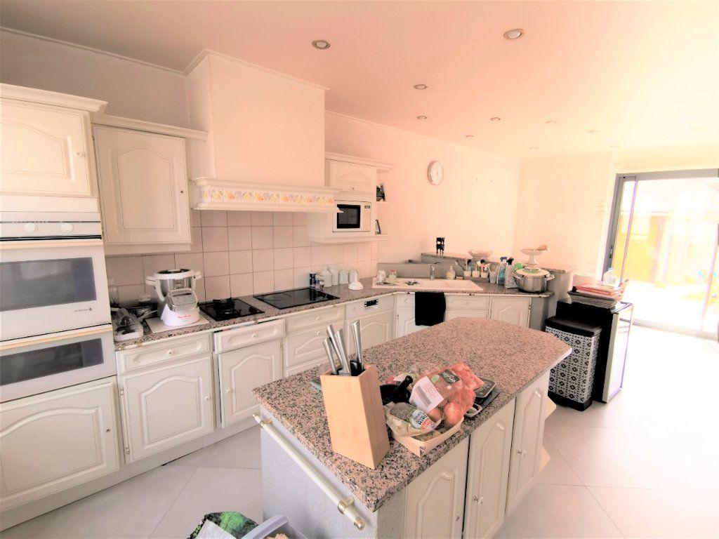 Maison à vendre 7 185m2 à Chevrainvilliers vignette-3
