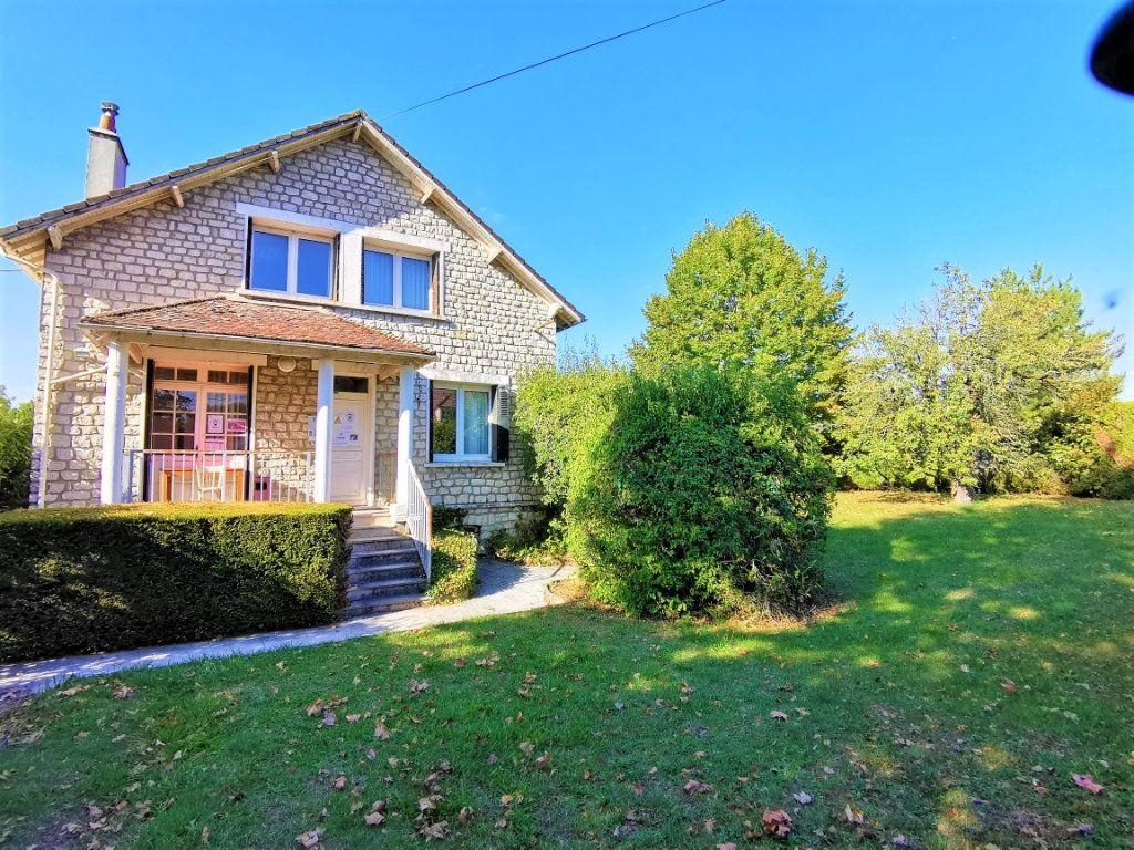 Maison à vendre 11 245m2 à Nemours vignette-1
