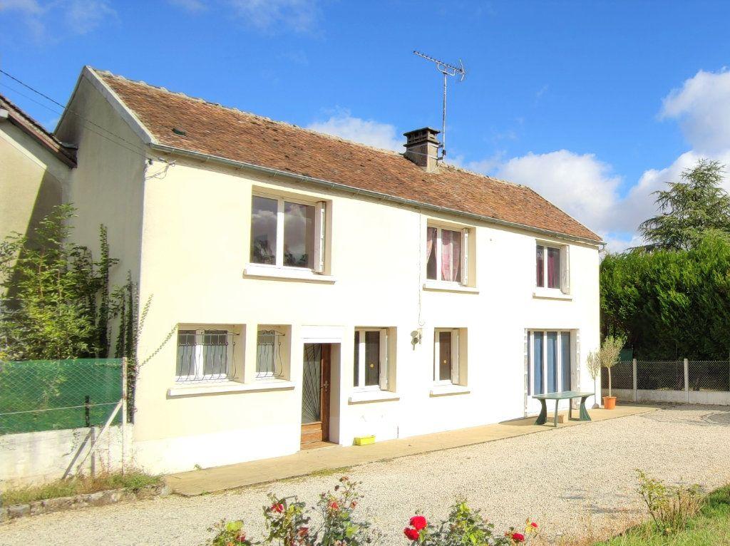 Maison à vendre 4 120m2 à Château-Landon vignette-1